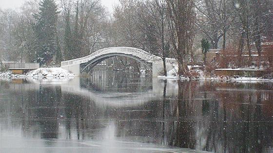 die Havel mit der Bauchschmerzenbrücke