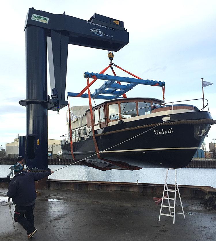 2016-11-27-kranen-letztes-hausboot