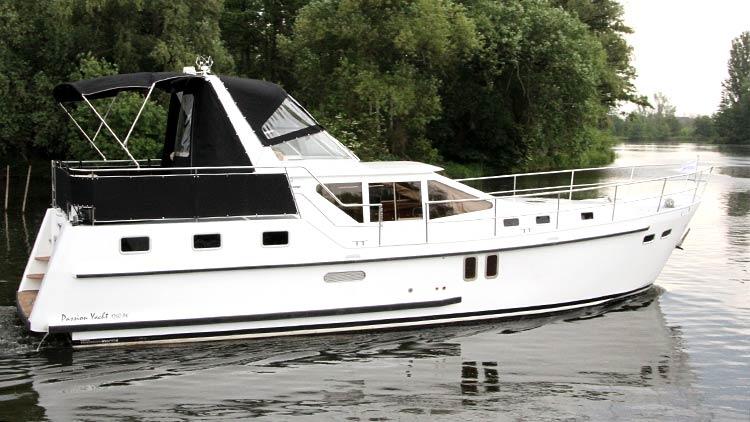 Exklusive Hausboote und Yachten für Ihren Bootsurlaub